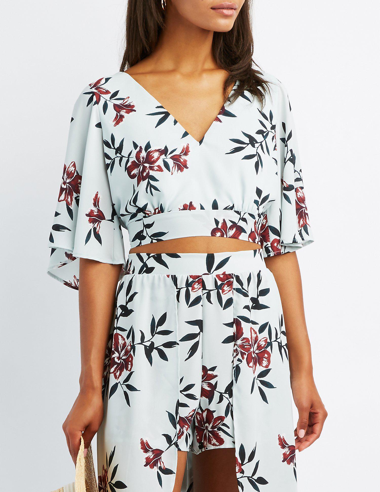 d22e0bdf5f147 Lyst - Charlotte Russe Floral Kimono Sleeve Crop Top