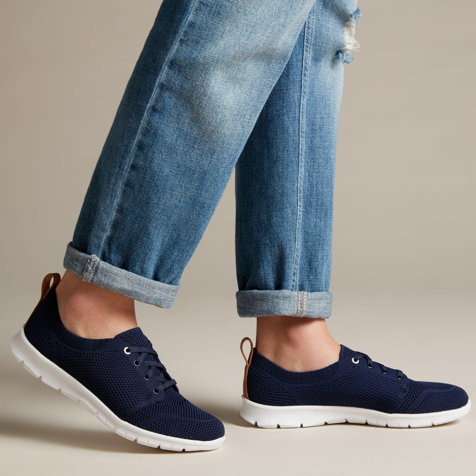 Clarks Womens Step AllenaSun Sneaker