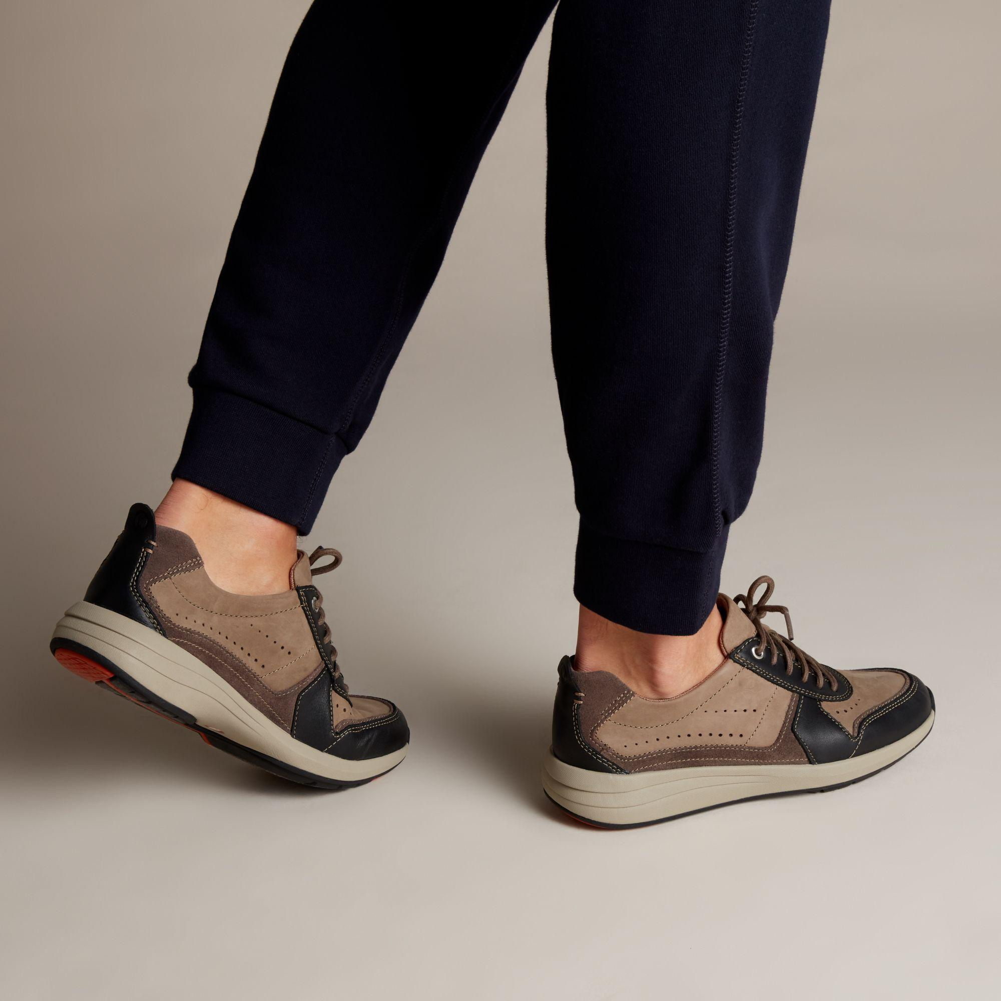 Clarks Lace Un Coast Form in Brown for