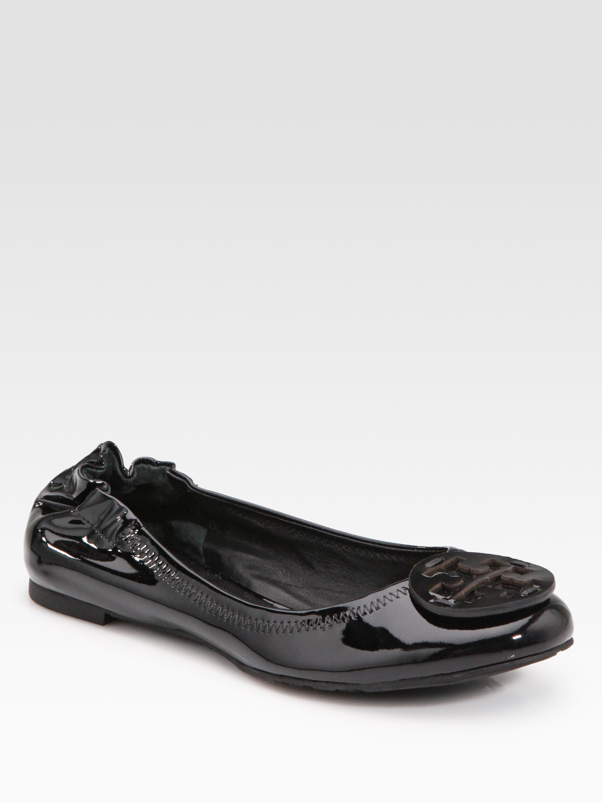 42ef308db Gallery. Previously sold at: Saks Fifth Avenue · Women's Tory Burch Reva  Flats