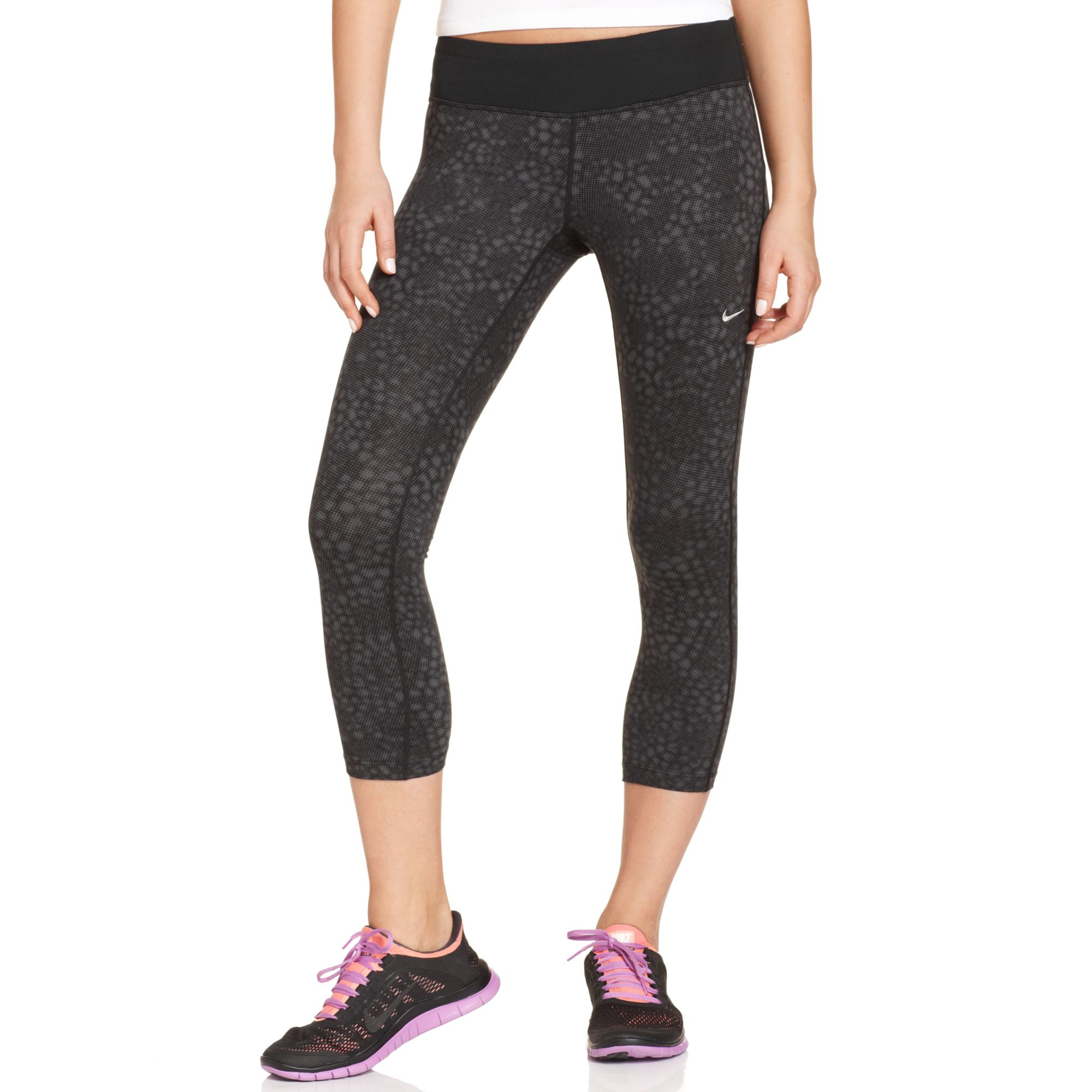 e7edc7e8ab7c1 Nike Epic Run Snakeskin-print Capri Leggings in Black - Lyst