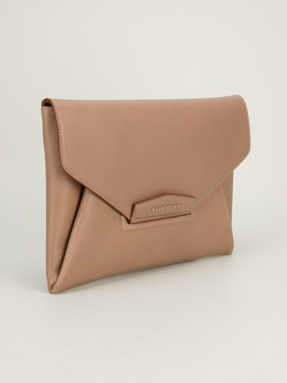 ebd2c2fa95 Givenchy Antigona Envelope Clutch in Natural - Lyst