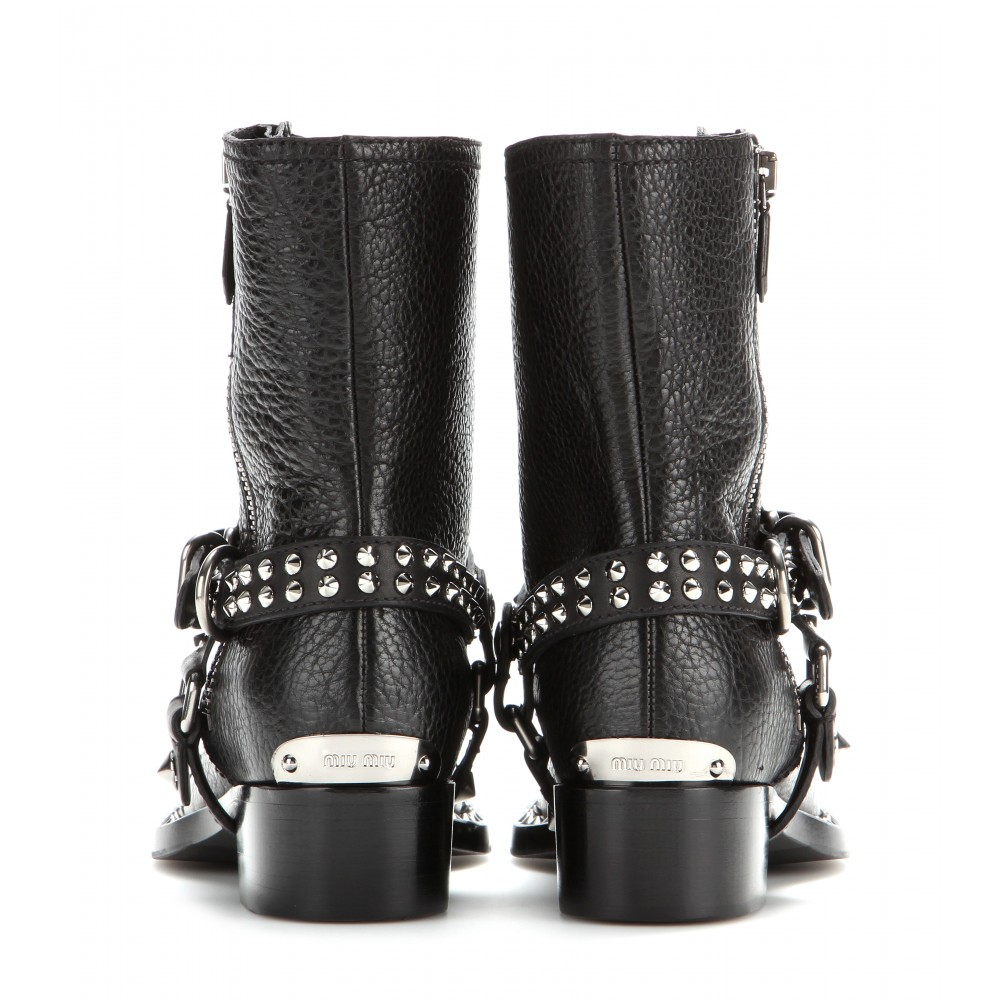 Miu Miu Leather Boots in Nero (Black)