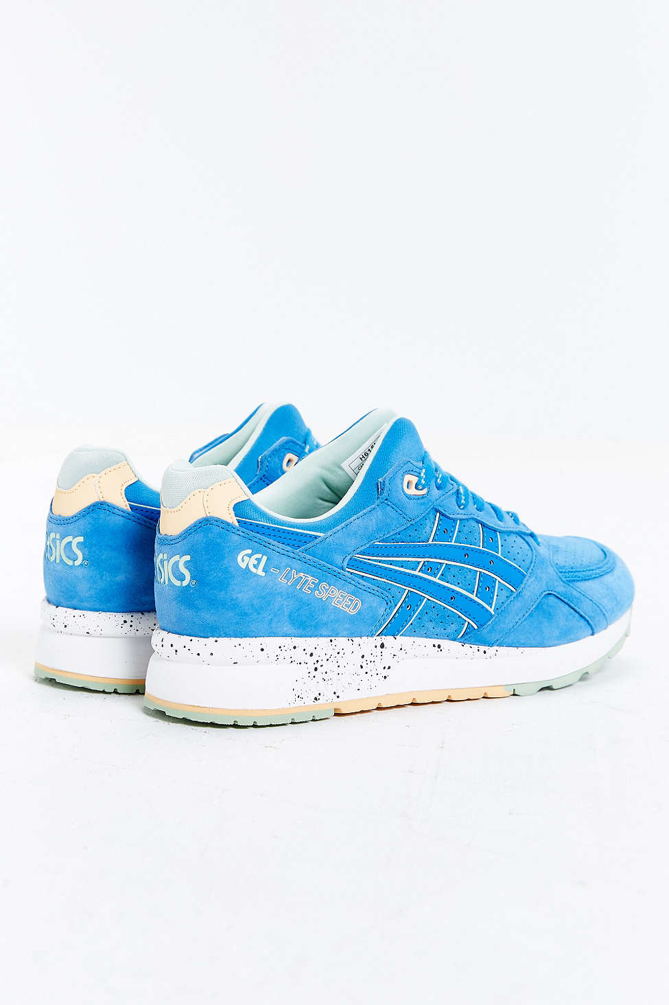 cadfdcf9a725 Gallery. Previously sold at  Urban Outfitters · Men s Asics Gel Lyte Iii ...