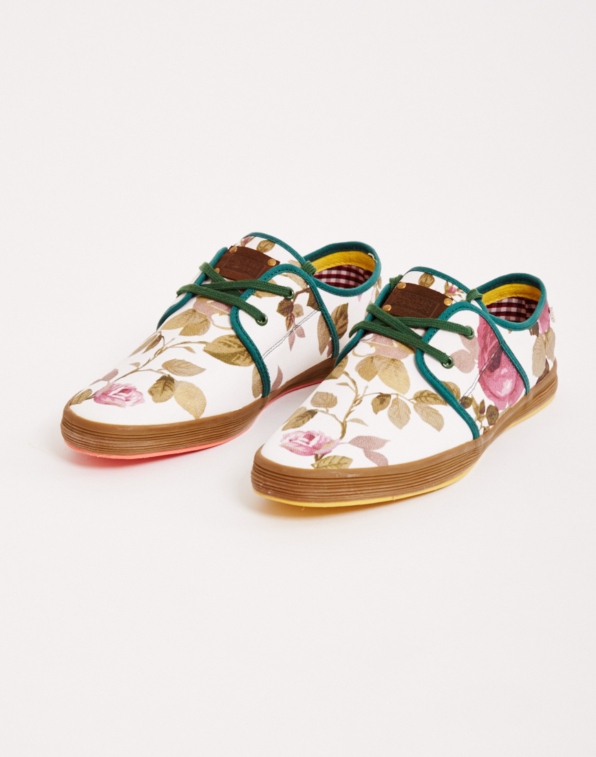 Fish n chips by base london plimsolls in white for men for Fish n chips shoes