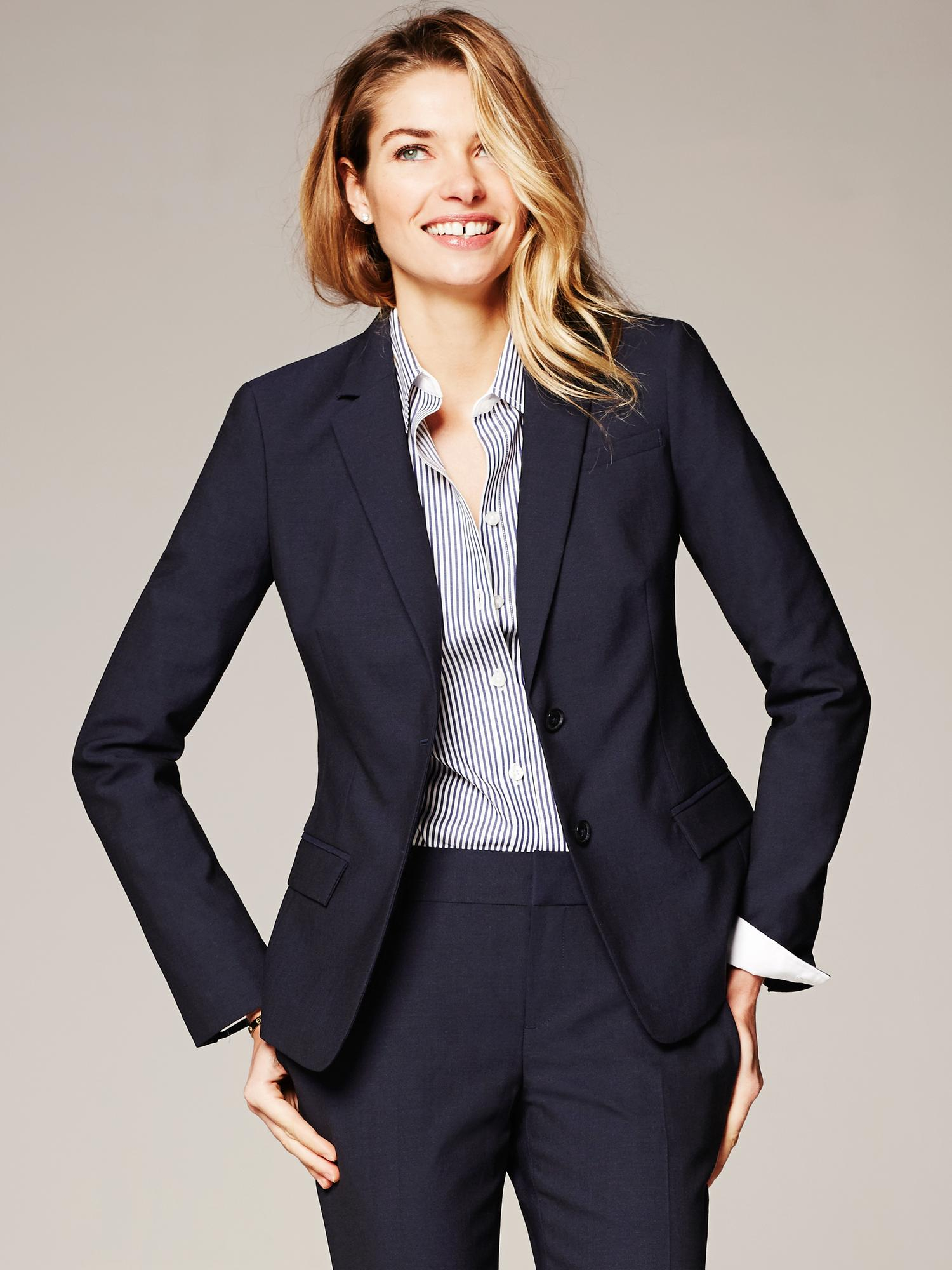 banana republic navy lightweight wool two button suit blazer in blue lyst. Black Bedroom Furniture Sets. Home Design Ideas