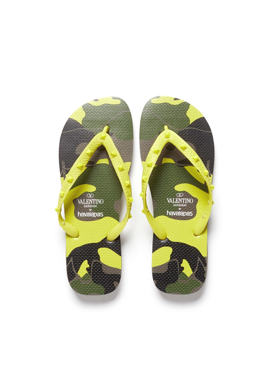 Valentino X Havaianas Studded Flip Flops In Yellow For Men -4475