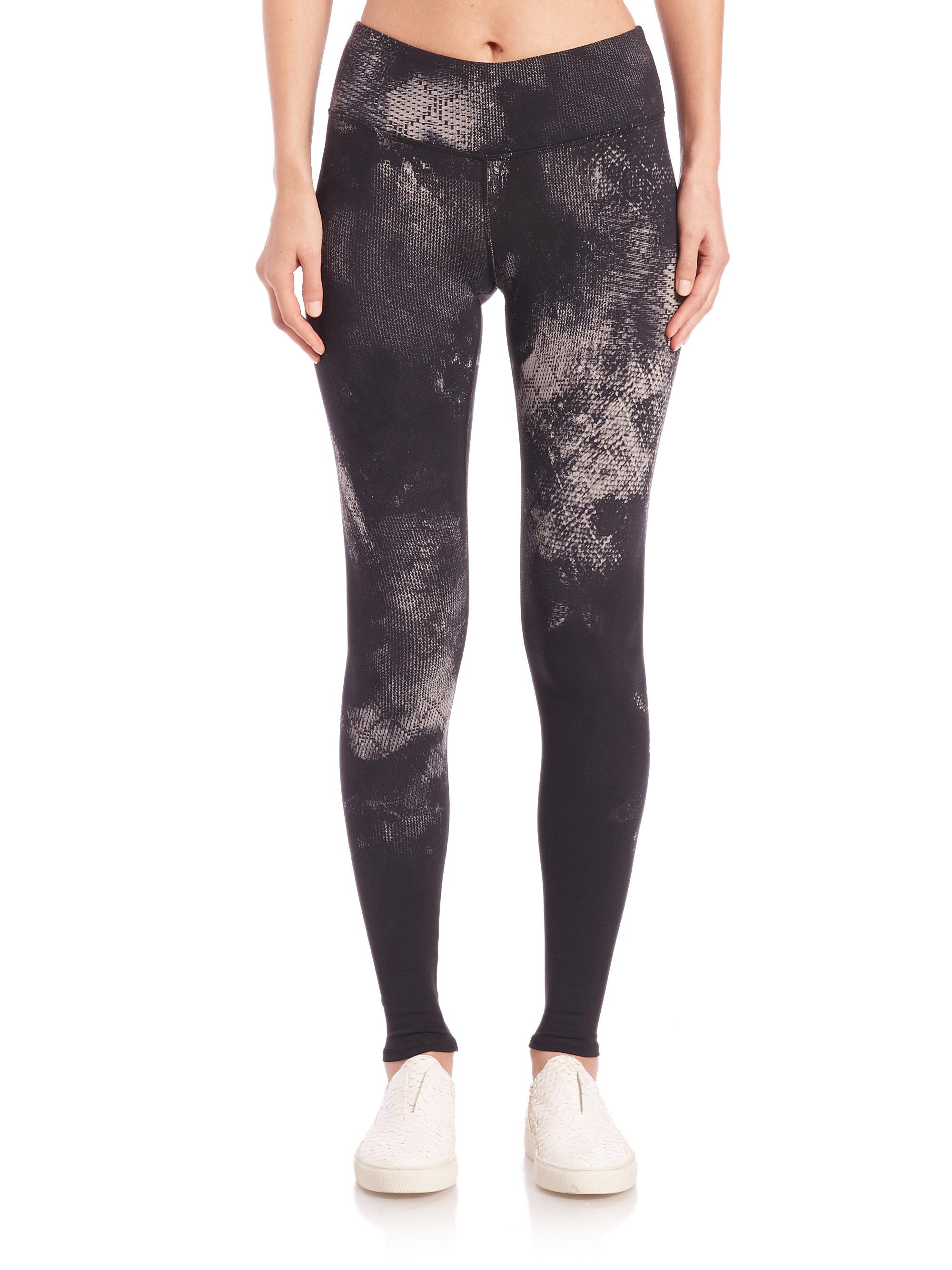 35b7f1c395 Alo Yoga Airbrush-print Leggings in Black - Lyst