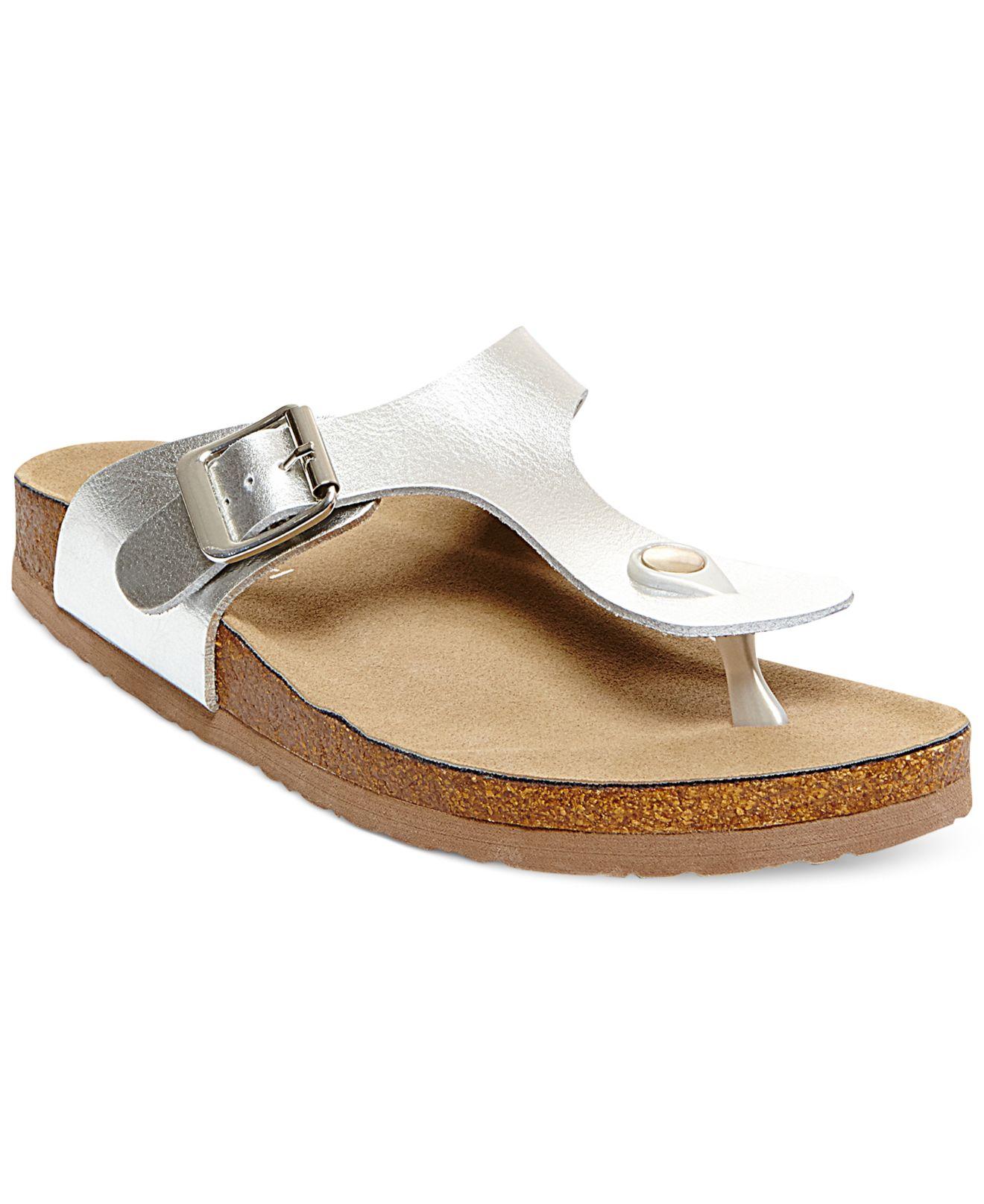 4f9dcb7b1726b Lyst - Madden Girl Boise Footbed Thong Sandals in Metallic