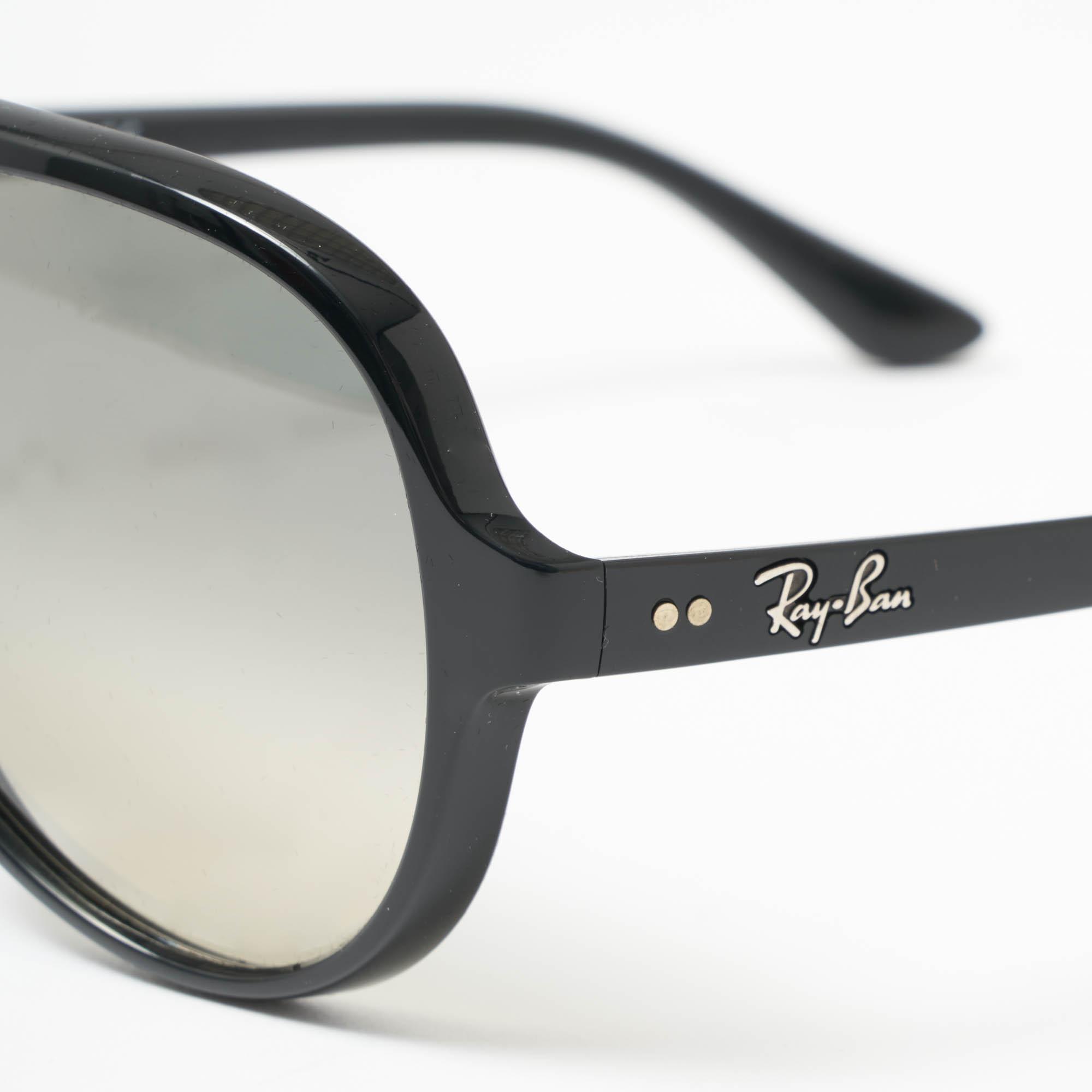 3e68274f8de Ray-Ban - Gray Cats 5000 Classic Sunglasses - Light Grey Gradient Lenses  for Men. View fullscreen