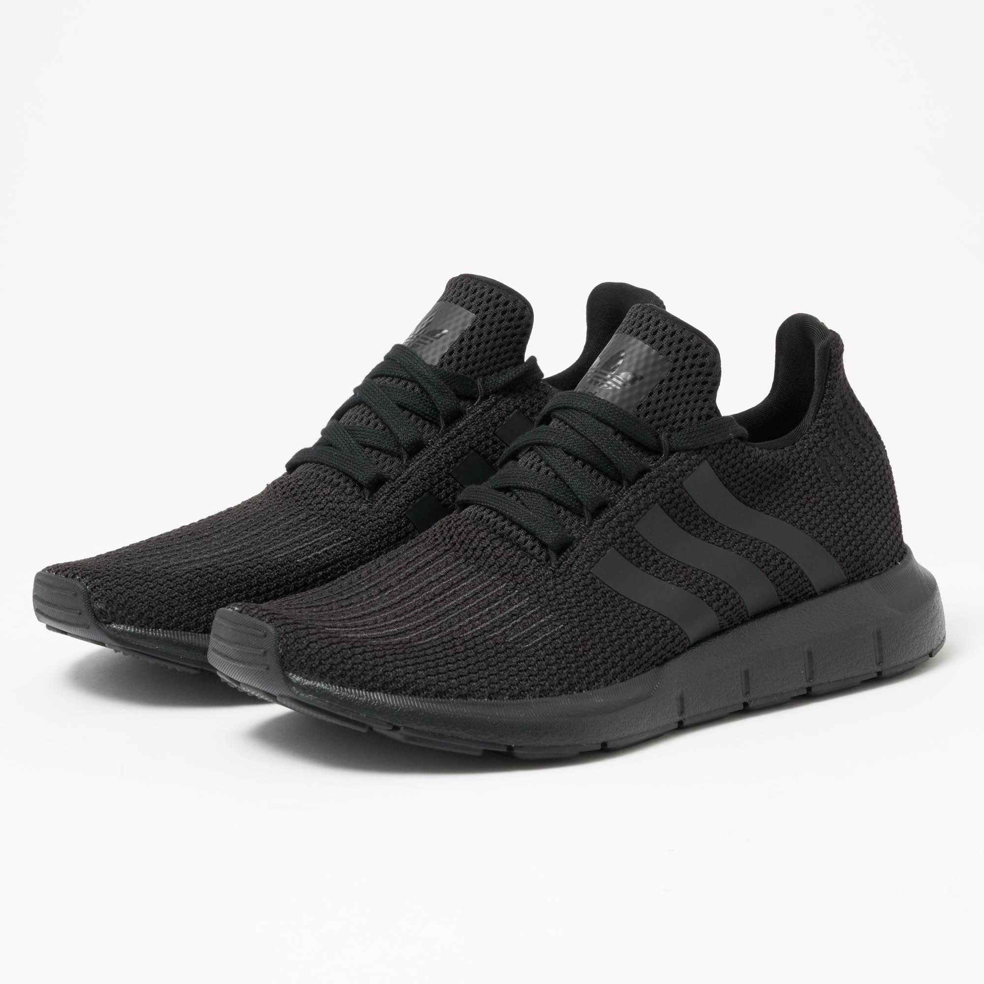 59e25edd708c Adidas Originals Swift Run in Black for Men - Lyst