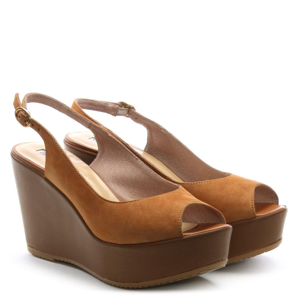 d21031bd486e59 Lyst - Donna Più Tan Suede Sling Back Wedge Sandals in Brown