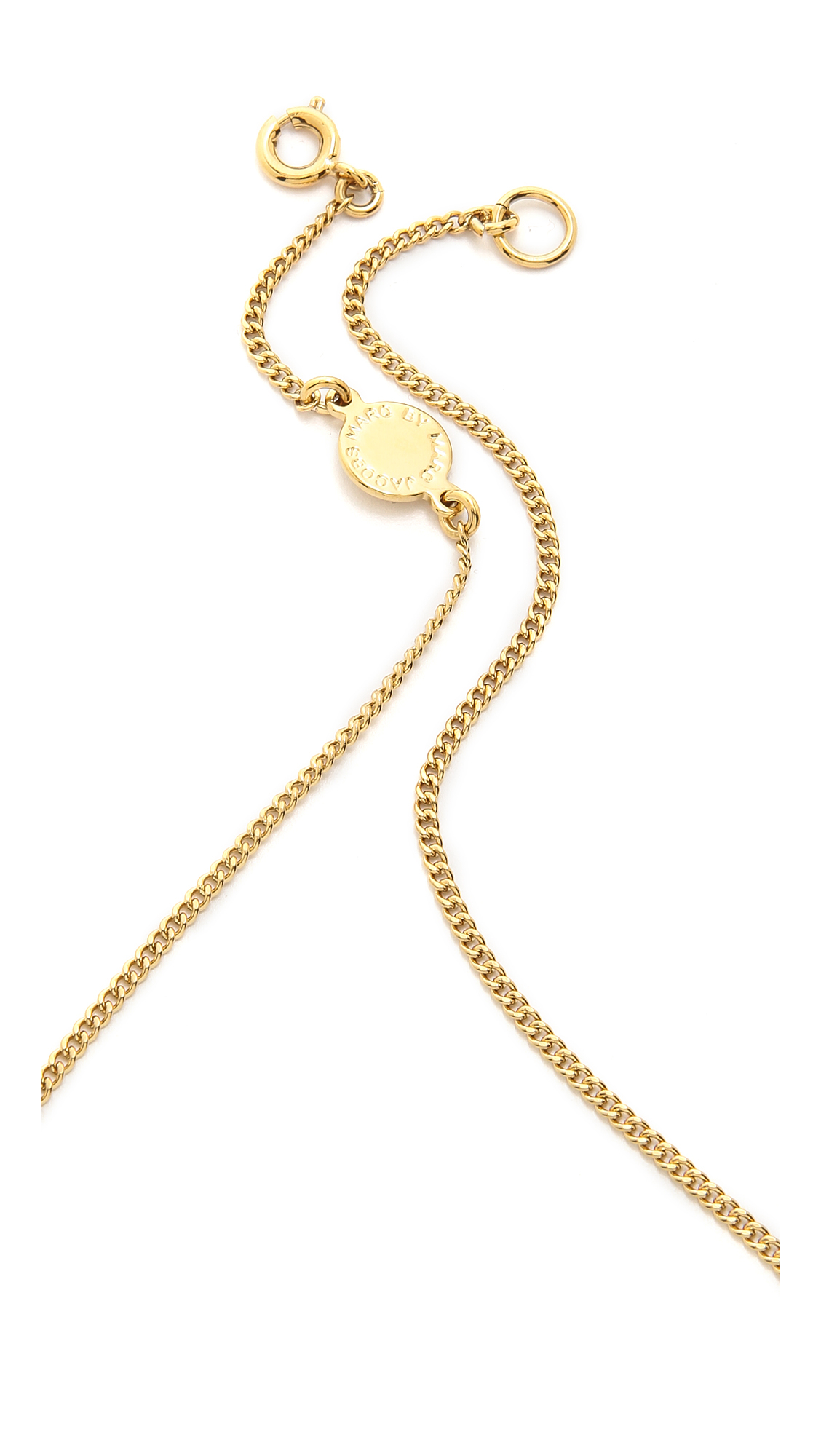 Marc By Marc Jacobs Twisted Nameplate Necklace - Oro in Metallic
