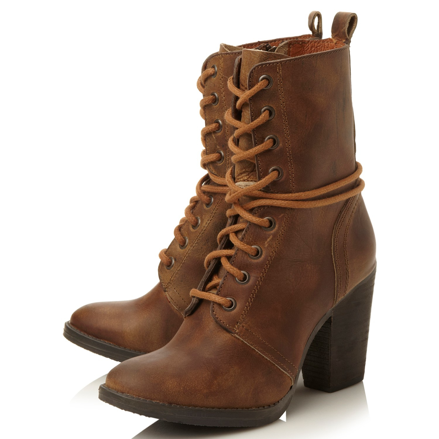 steve madden jupiter block heeled lace up ankle boots in