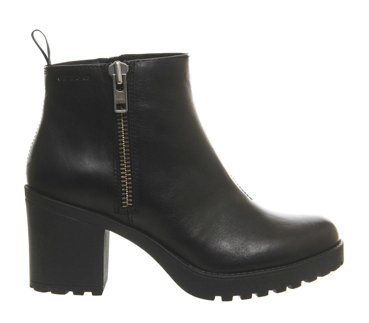 Vagabond Grace Side Zip Boots In Black