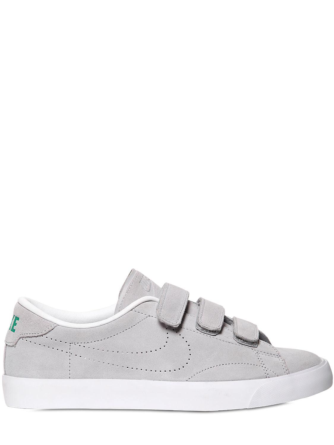 Nike Tennis Classic Nubuck Sneakers in Grey (Grey)