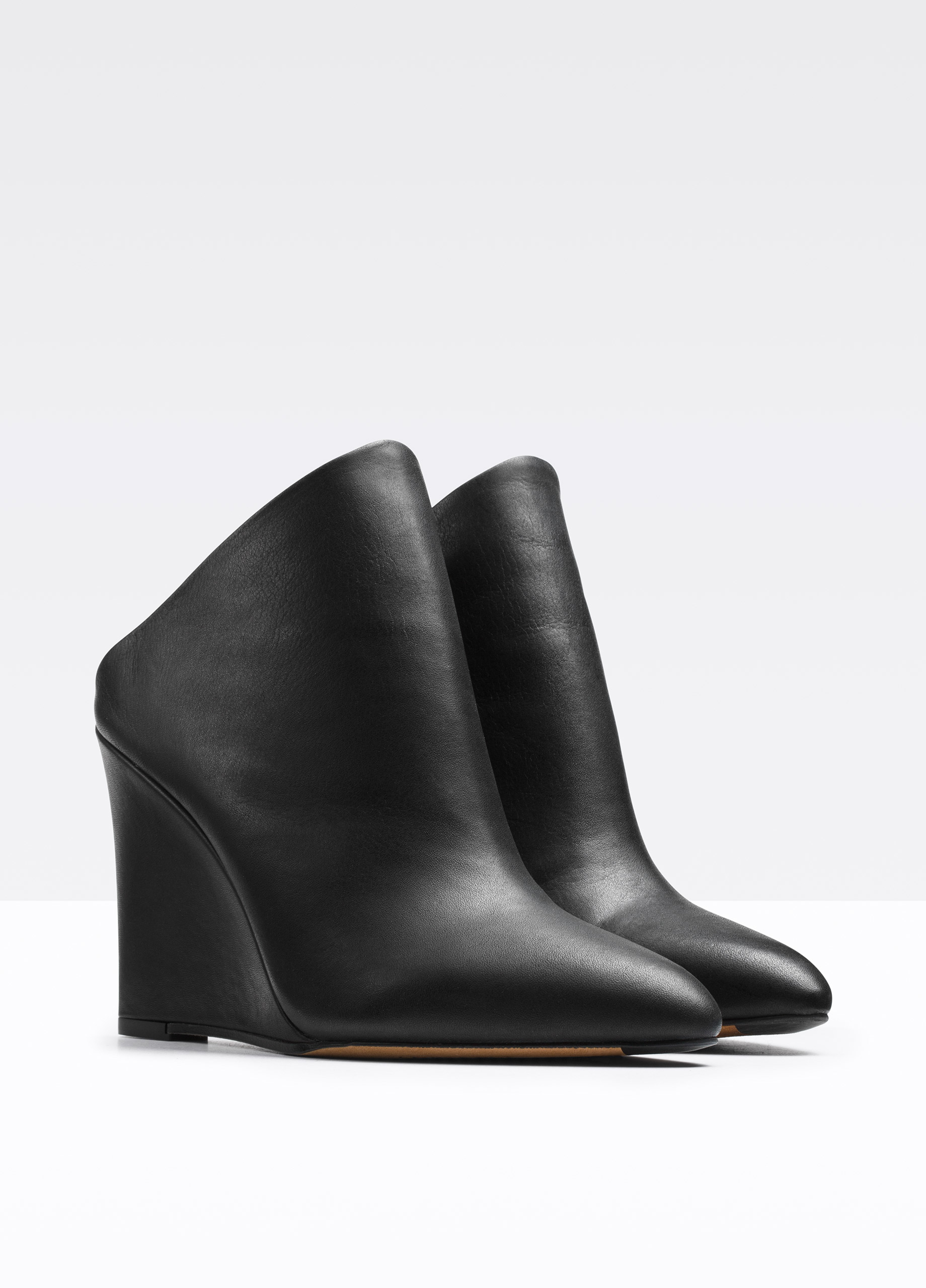 Vince Vail Leather Wedge Mules In Black Lyst