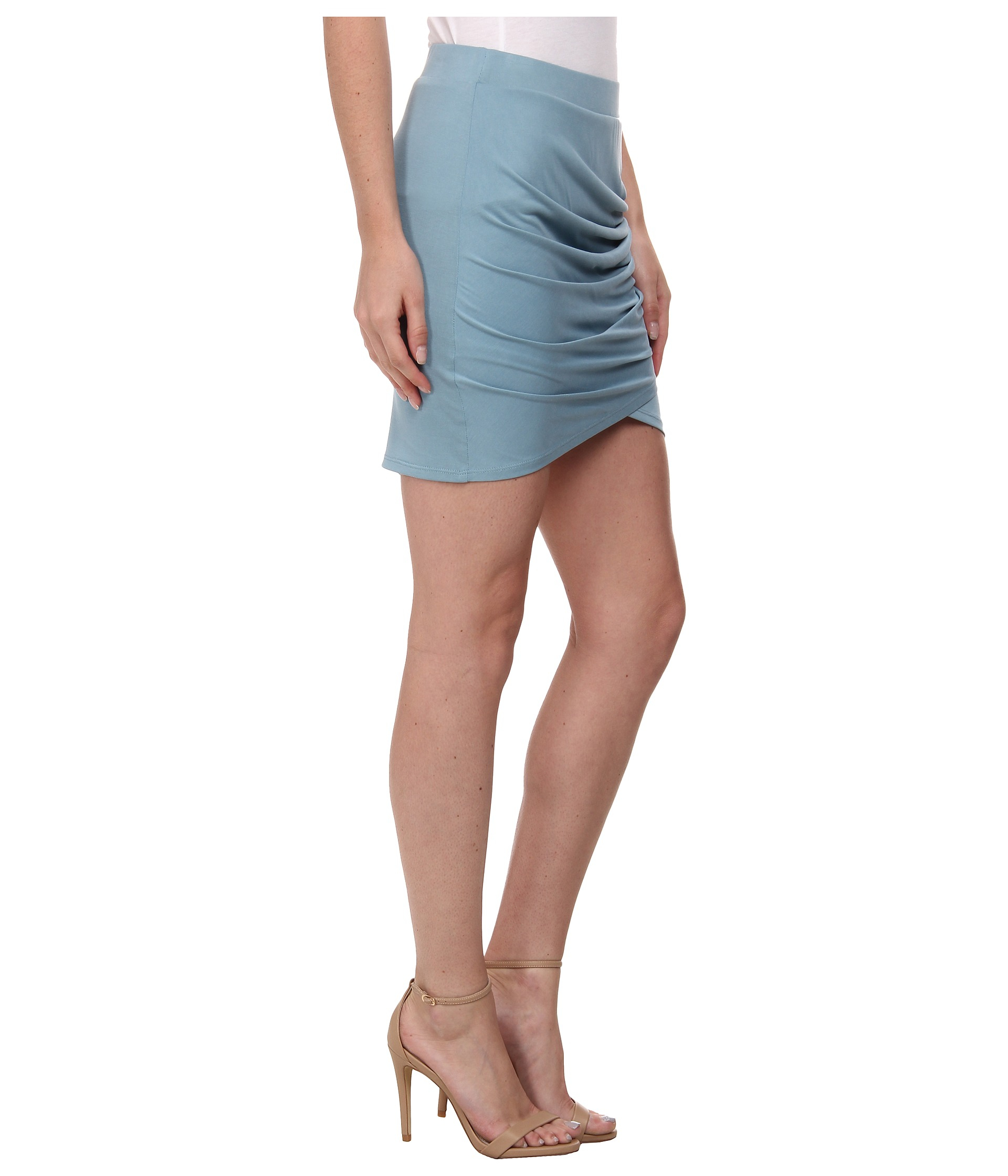 From trendy plaid skirts to cute pleated skirts, shop the hottest selection of skirts at Lulus! You'll Find Your Style at Lulus©. Free Shipping and Returns!