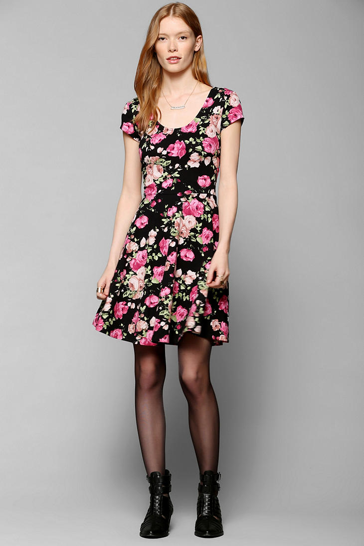 Urban outfitters Kimchi Blue Knit Floral Skater Dress in Black | Lyst