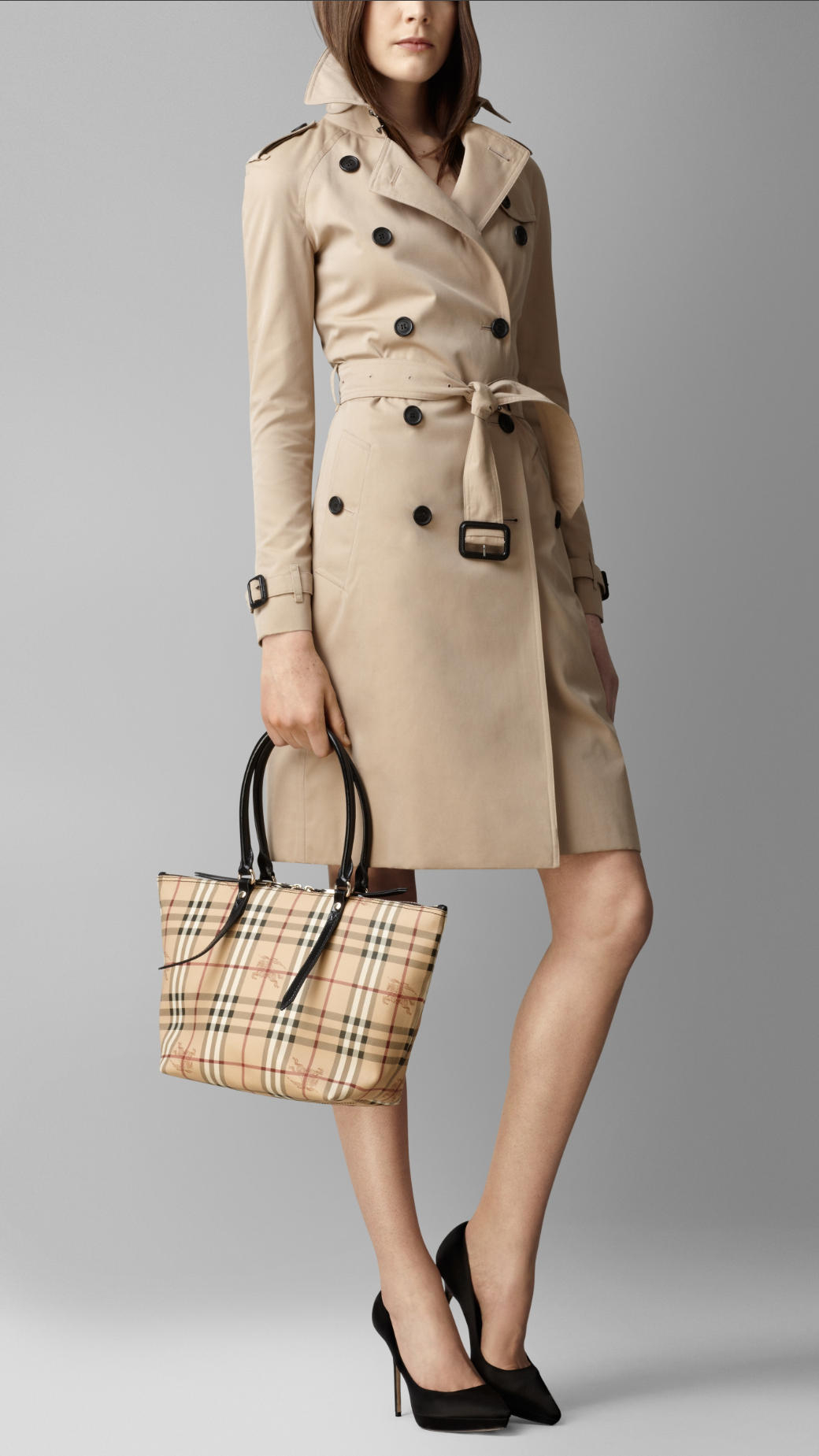 Burberry Small Haymarket Check Tote Bag in Military Red (Red)