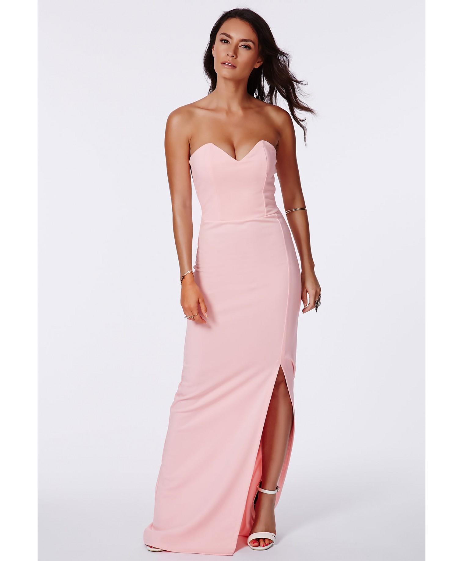 Shop boohoo's range of womens and mens clothing for the latest fashion trends you can totally do your thing in, with s of new styles landing every day!