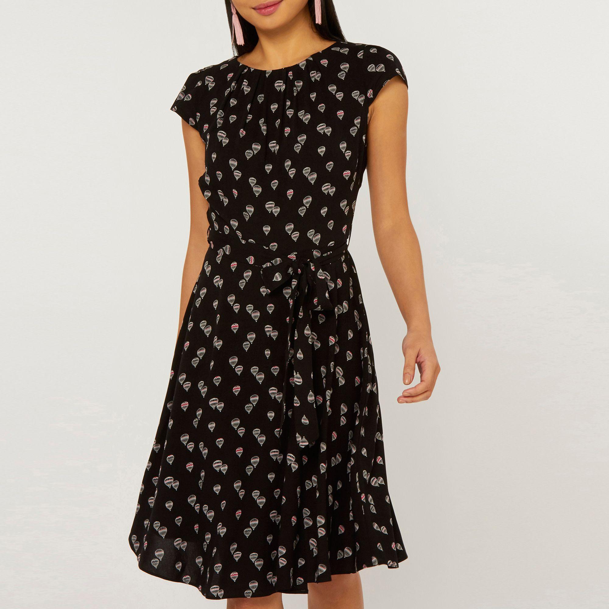 90e50da5469c Dorothy Perkins - Billie & Blossom Petite Black Balloon Print Skater Dress  - Lyst. View fullscreen