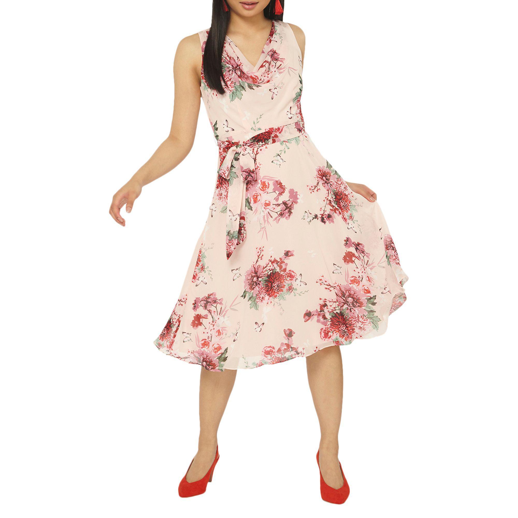 5d288bef6d2a1 Dorothy Perkins Billie   Blossom Petite Blush Floral Print Skater ...