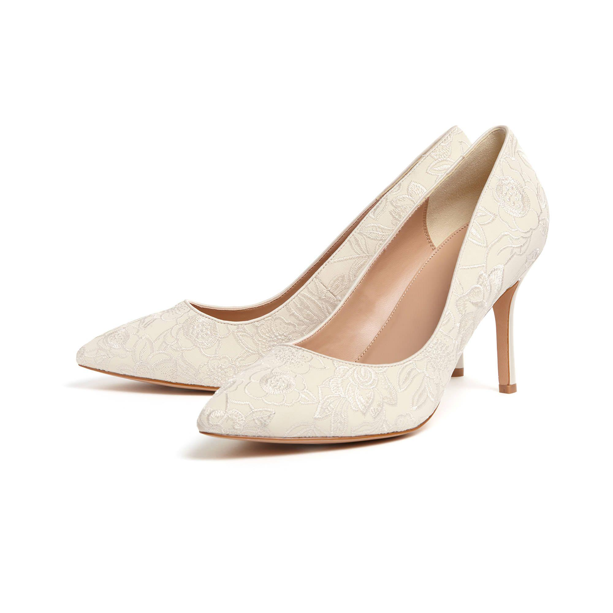 order online for sale top quality Cream ceri embroidered lace point court shoes 2015 cheap price uvd2BRj