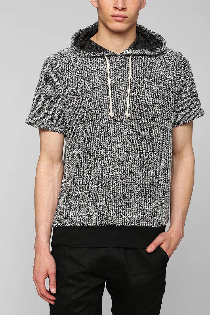 Urban Outfitters Loop Short-Sleeve Pullover Hoodie Sweatshirt in Black