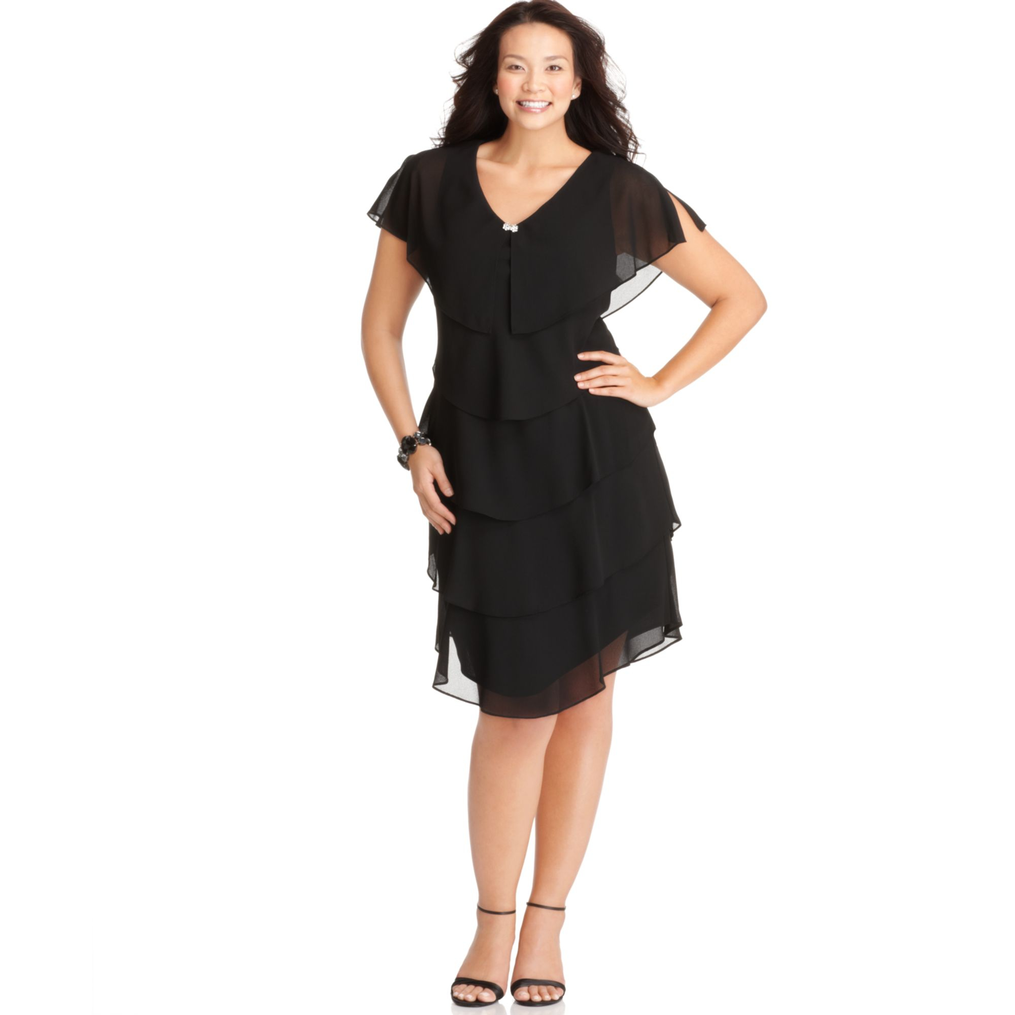 Patra Plus Size Short-sleeve Tiered Dress in Black