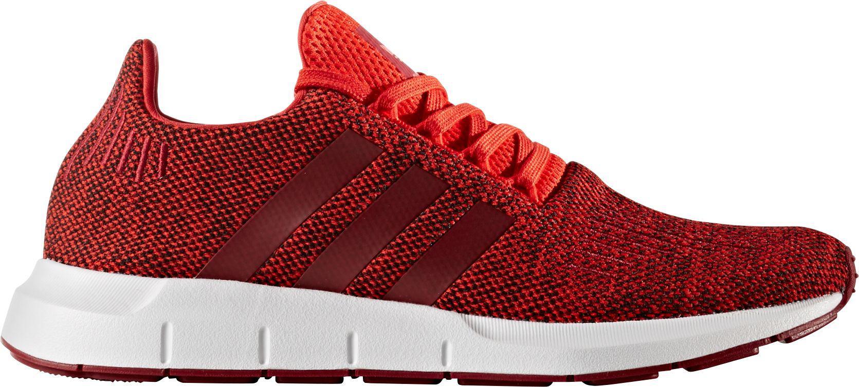 lyst adidas originali originali swift run scarpe in rosso per gli uomini.