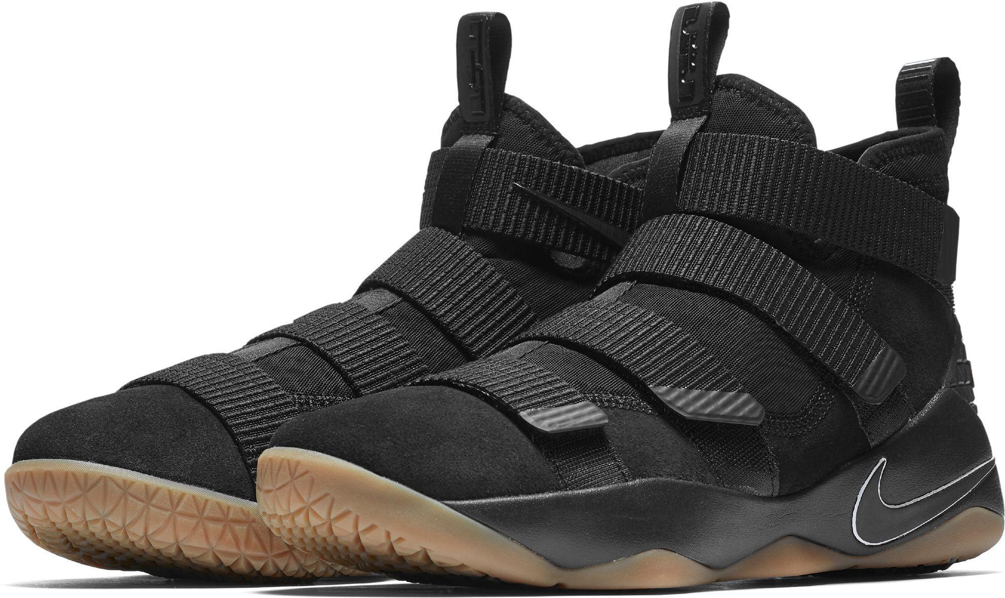 Footwear Nike Lebron Soldier XI Mens