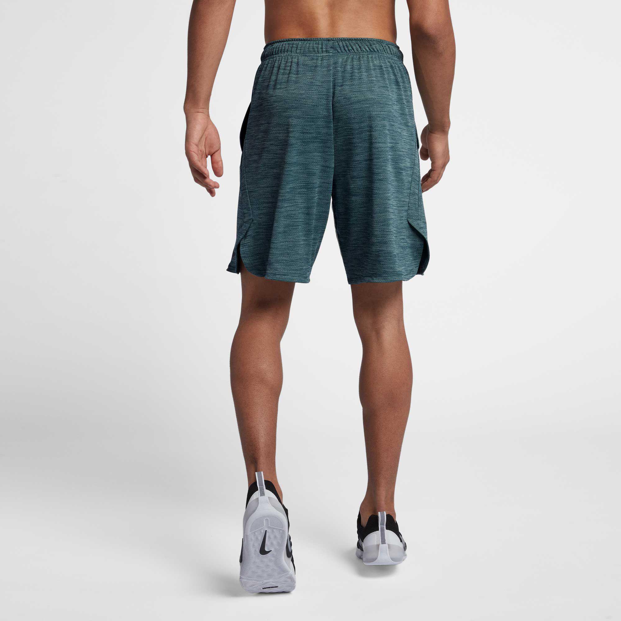 804730a3ffebe Nike Green Dry Veneer Training Shorts for men