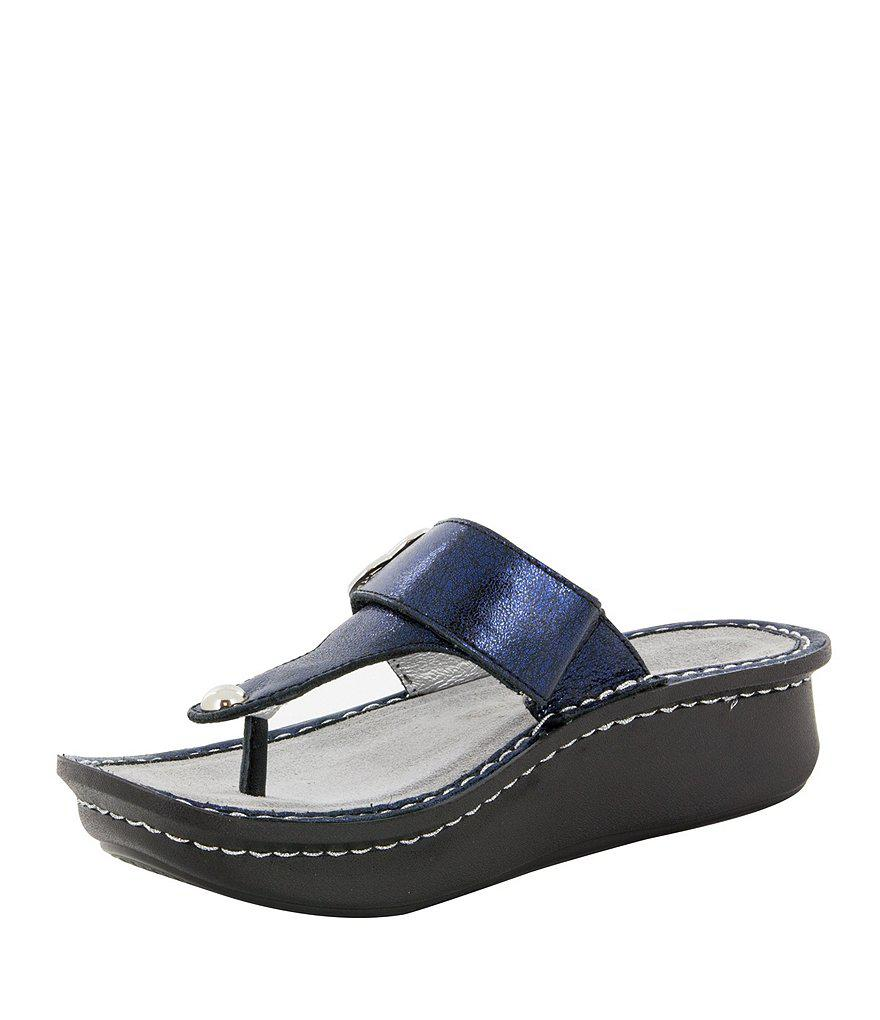 Carina Heart Metal Ornament Thong Sandals YNPAUaWTo
