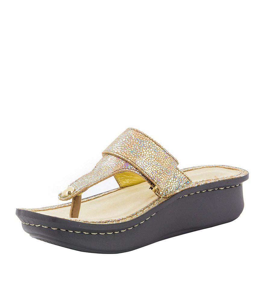Carina Metal Ornament Thong Sandals X0lrDre