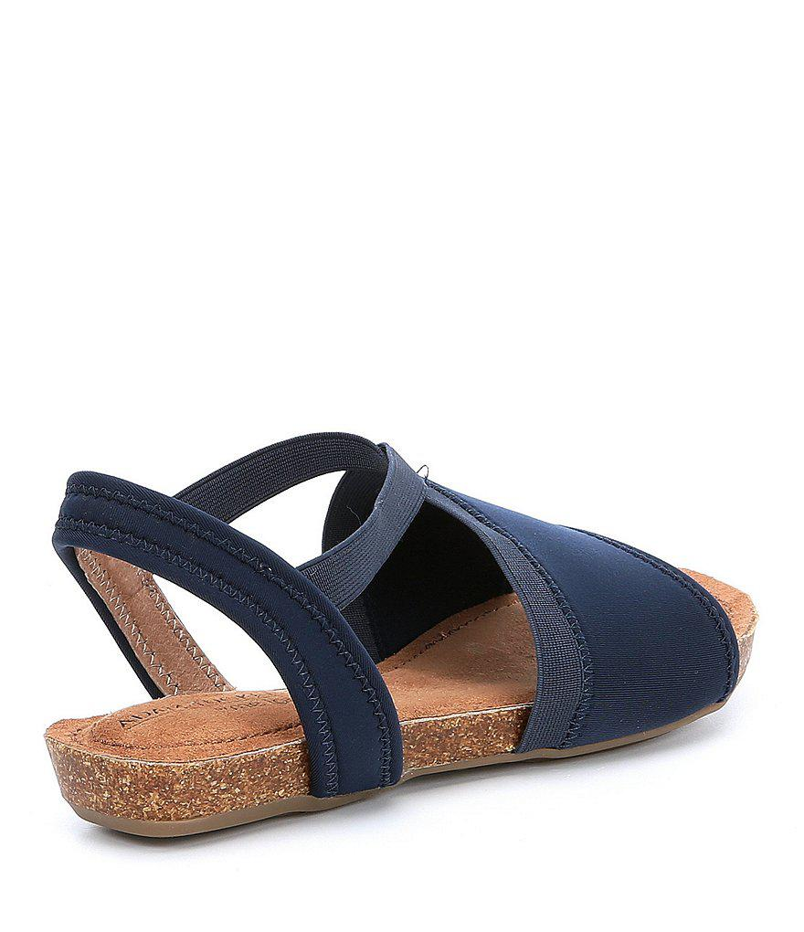 Nadina Flat Sandals WhKioS