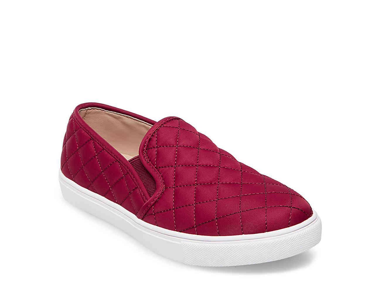Ecentrcq Slip-on Sneaker in Burgundy