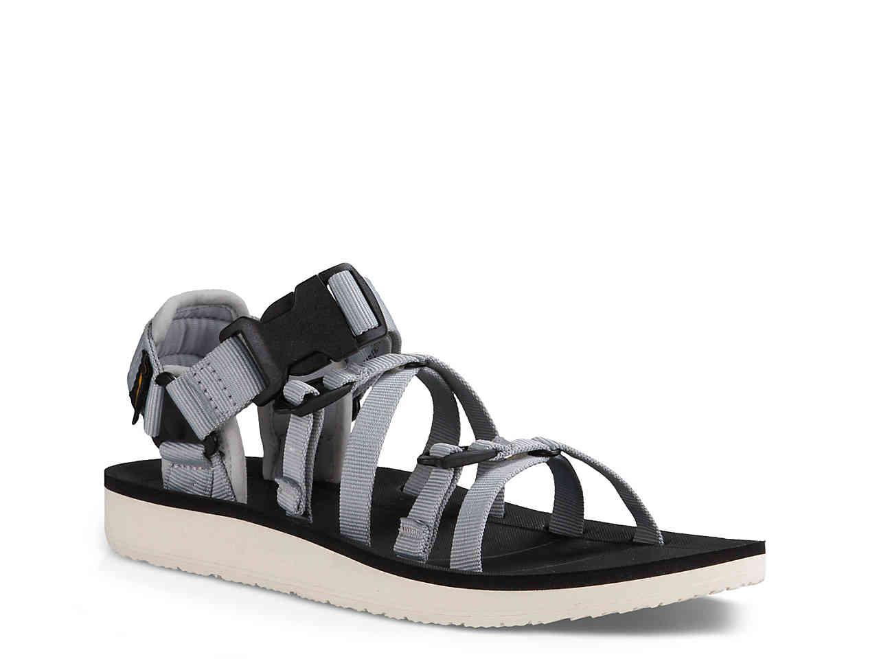 d8e3e0270 Gallery. Previously sold at  DSW · Women s Teva ...