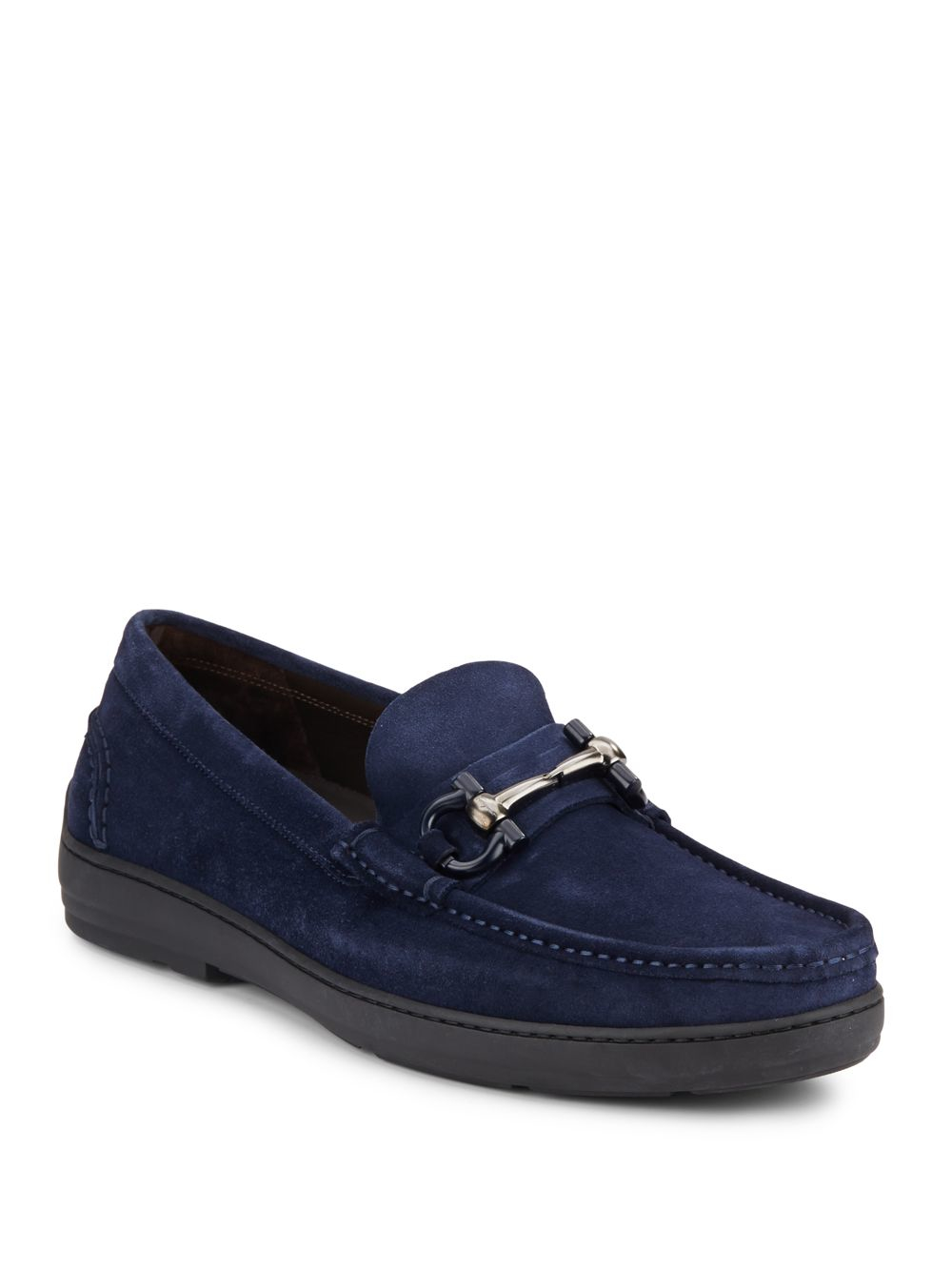 - suede loafers Berwick moccasin with a classic and refined design. This high-quality index model and craftsmanship excellence is characterized by Goodyear processing with a sinuous silhouette with a rounded tip and a precious upper in pure suede and embellished with elegant laces in tone-on-tone relief with delicate front tassels.