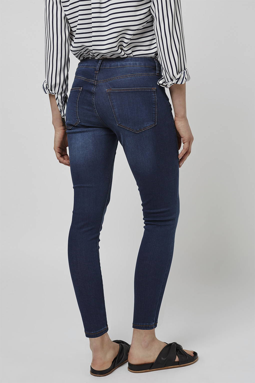 topshop petite moto leigh jeans in blue indigo lyst. Black Bedroom Furniture Sets. Home Design Ideas