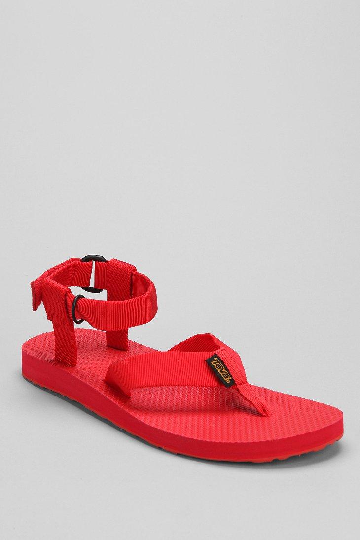 Teva Monochromatic Original Thong Sandal in Red for Men