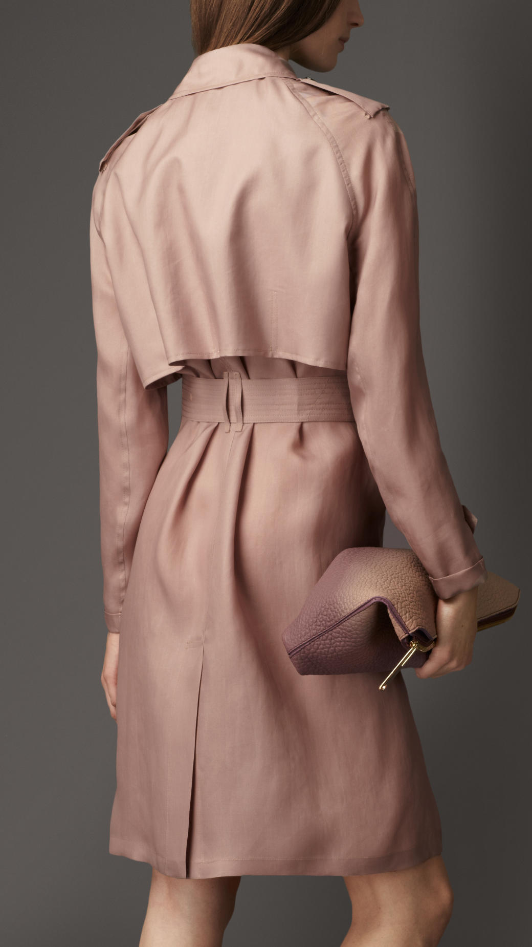 e32605ffb45 Burberry Long Oversize Detail Silk Trench Coat in Pink - Lyst