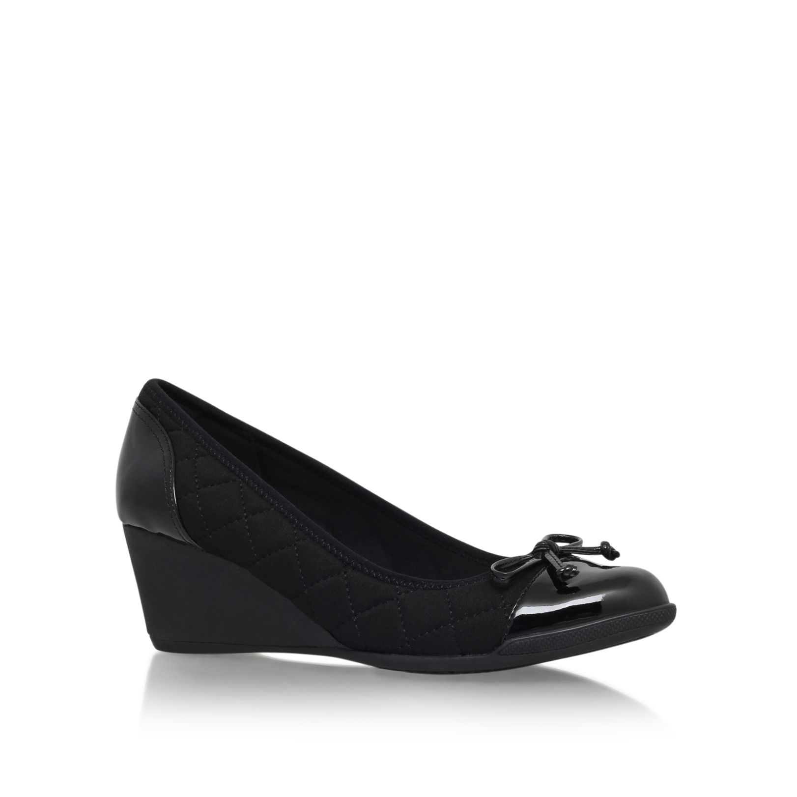 klein tallula2 low wedge heel court shoes in black lyst