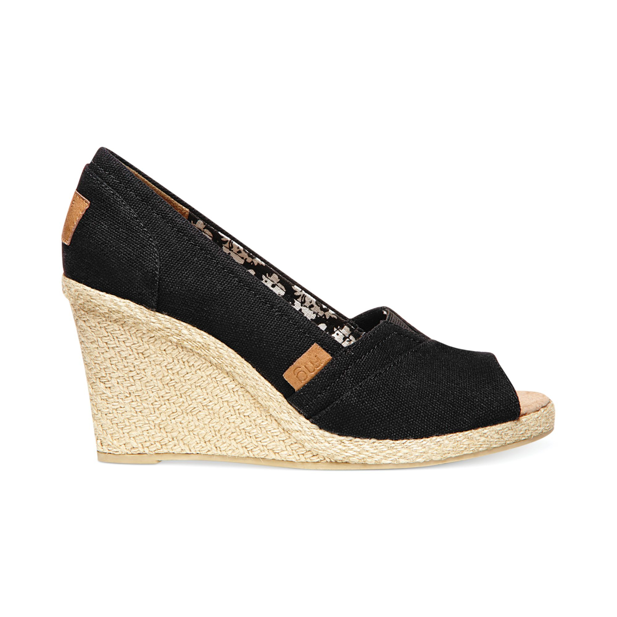 madden tackle espadrille wedge sandals in black