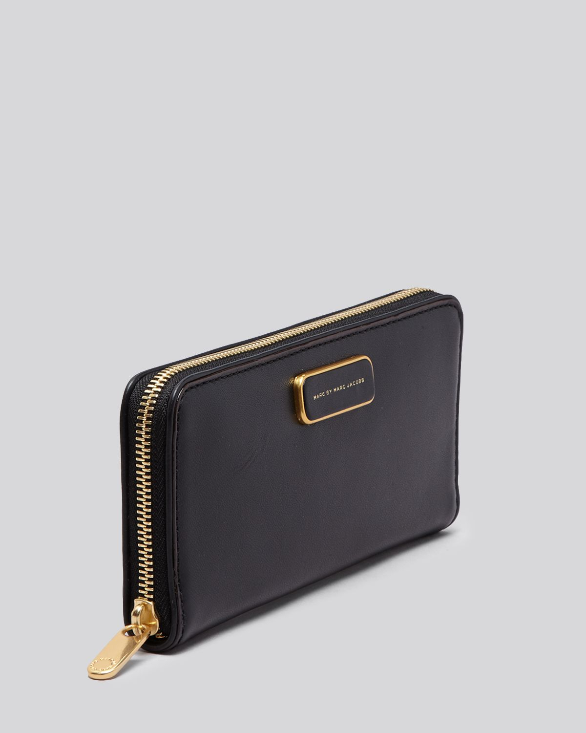 6191704270a Marc By Marc Jacobs Wallet - Ligero Slim Zip Around Continental in ...