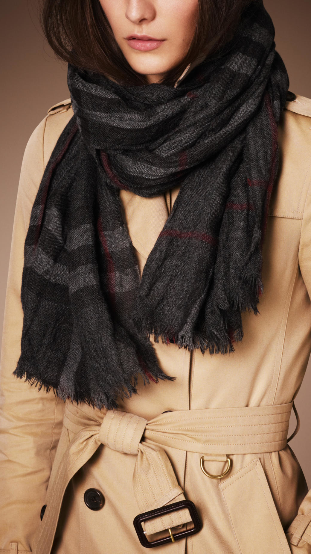 4b45e9fee568 Lyst - Burberry Heritage Check Crinkled Cashmere Scarf in Gray