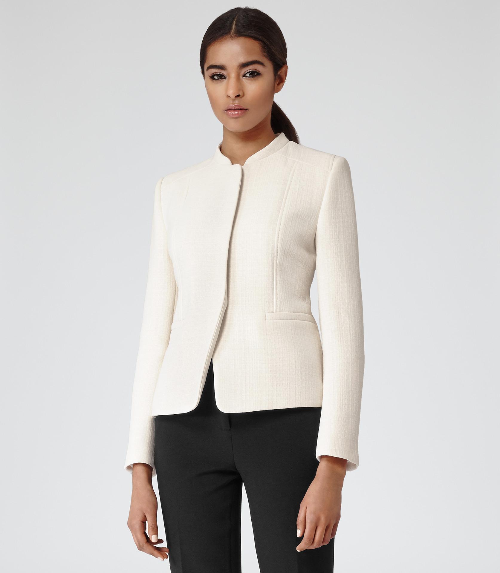 Reiss Juliette Textured Short Jacket in Natural | Lyst