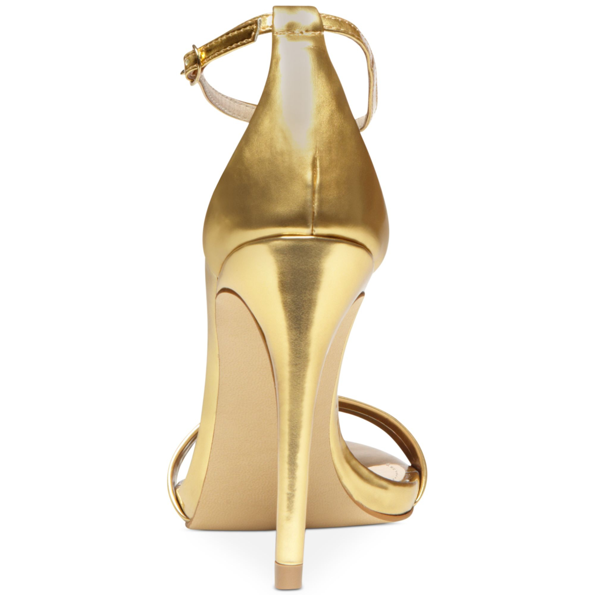 plato center single christian girls Buy your pigalle plato patent leather heels christian louboutin on vestiaire collective, the luxury consignment store online second-hand pigalle plato patent leather heels christian louboutin black in patent leather available 5487038.