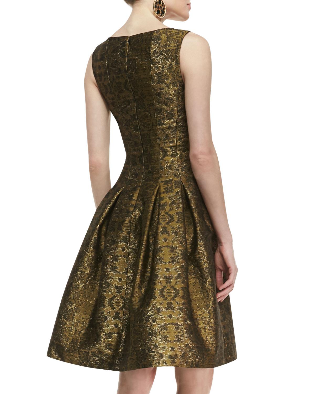 Oscar De La Renta Pleated A Line Brocade Dress In Gold