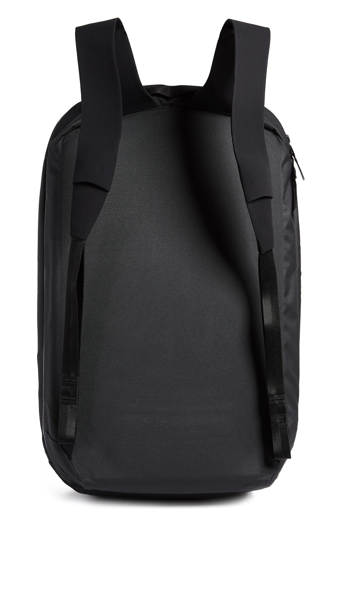 Arc'teryx Nomin Backpack in Black for Men